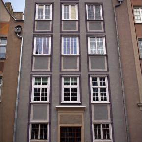 Fasada odrestaurowana. Renovated facade OGARNA 2.0